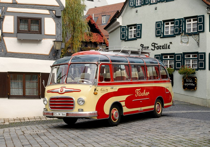 Setra Omnibusse stellt den S 6 auf der Retro Classics ins Rampenlicht