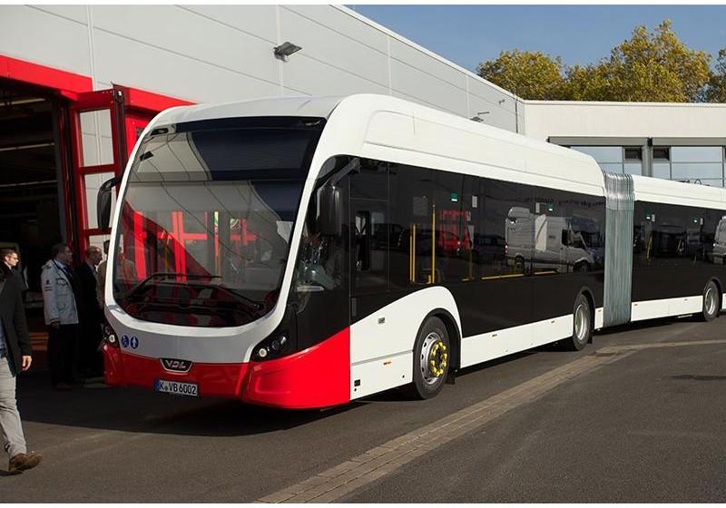 VDL übergibt ersten E-Bus an KVB